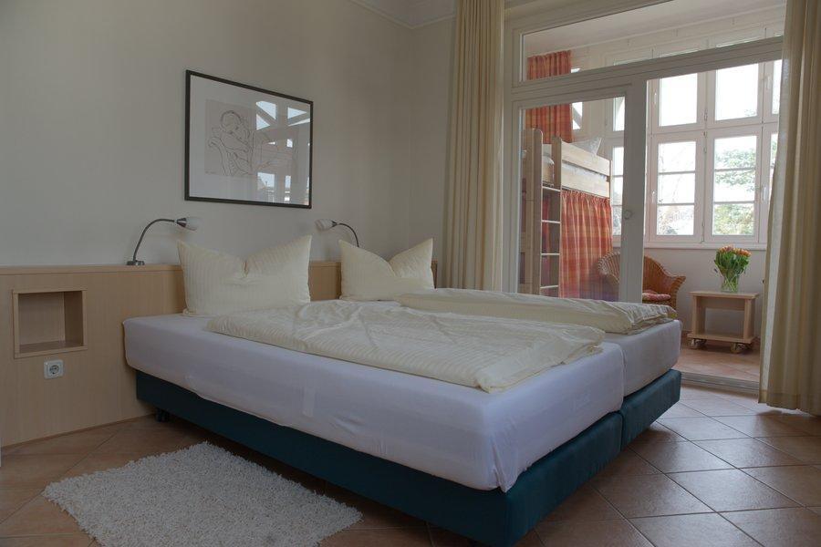 Villa Malepartus Binz Schlafzimmer Seeadler Bäderstil