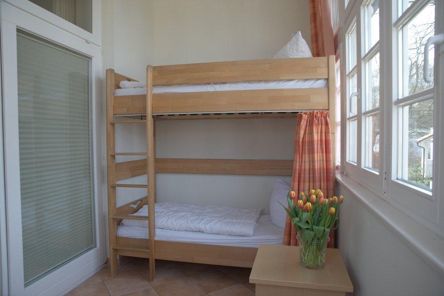 Etagenbett Für Kleinkind Und Baby : Optimale ferienwohnung binz mit kind und baby